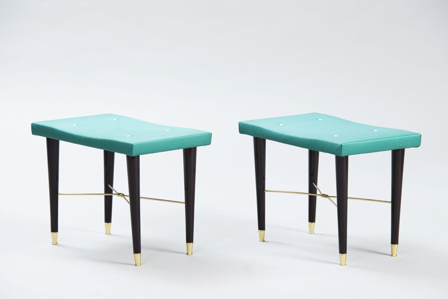 hocker aus dunklem holz und messing 2er set bei pamono kaufen. Black Bedroom Furniture Sets. Home Design Ideas