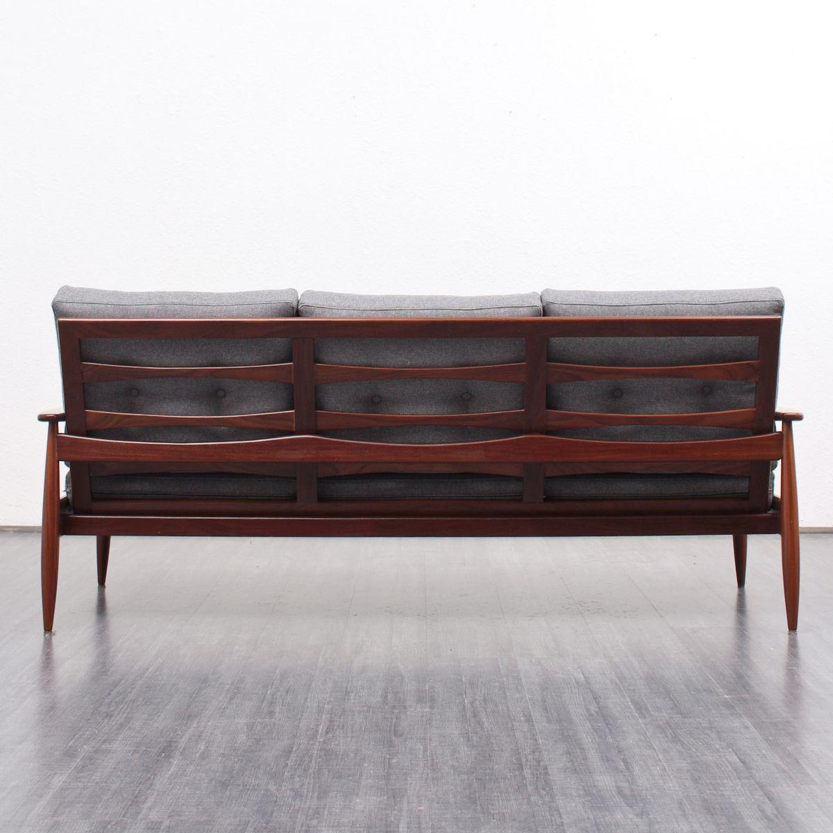 canap en teck avec tissu gris clair 1960s en vente sur. Black Bedroom Furniture Sets. Home Design Ideas