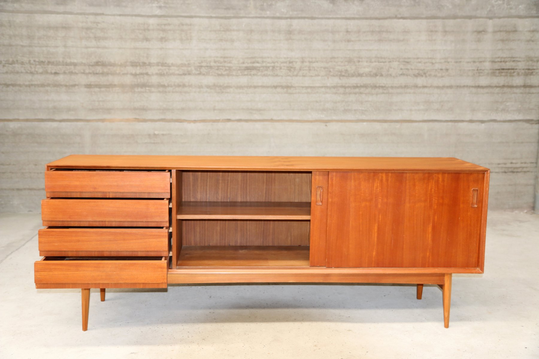 franz sisches sideboard mit schiebet ren aus holz bei pamono kaufen. Black Bedroom Furniture Sets. Home Design Ideas