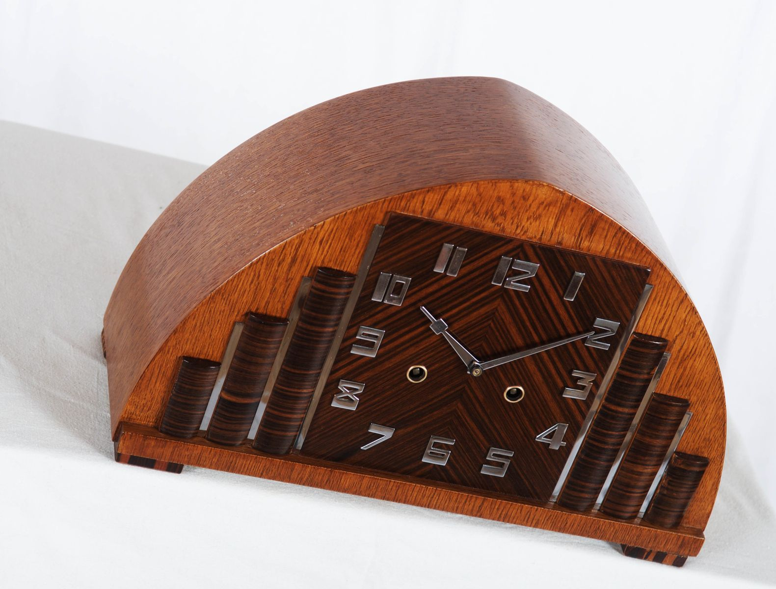 pendule de chemin e vintage art d co de hau en vente sur pamono. Black Bedroom Furniture Sets. Home Design Ideas