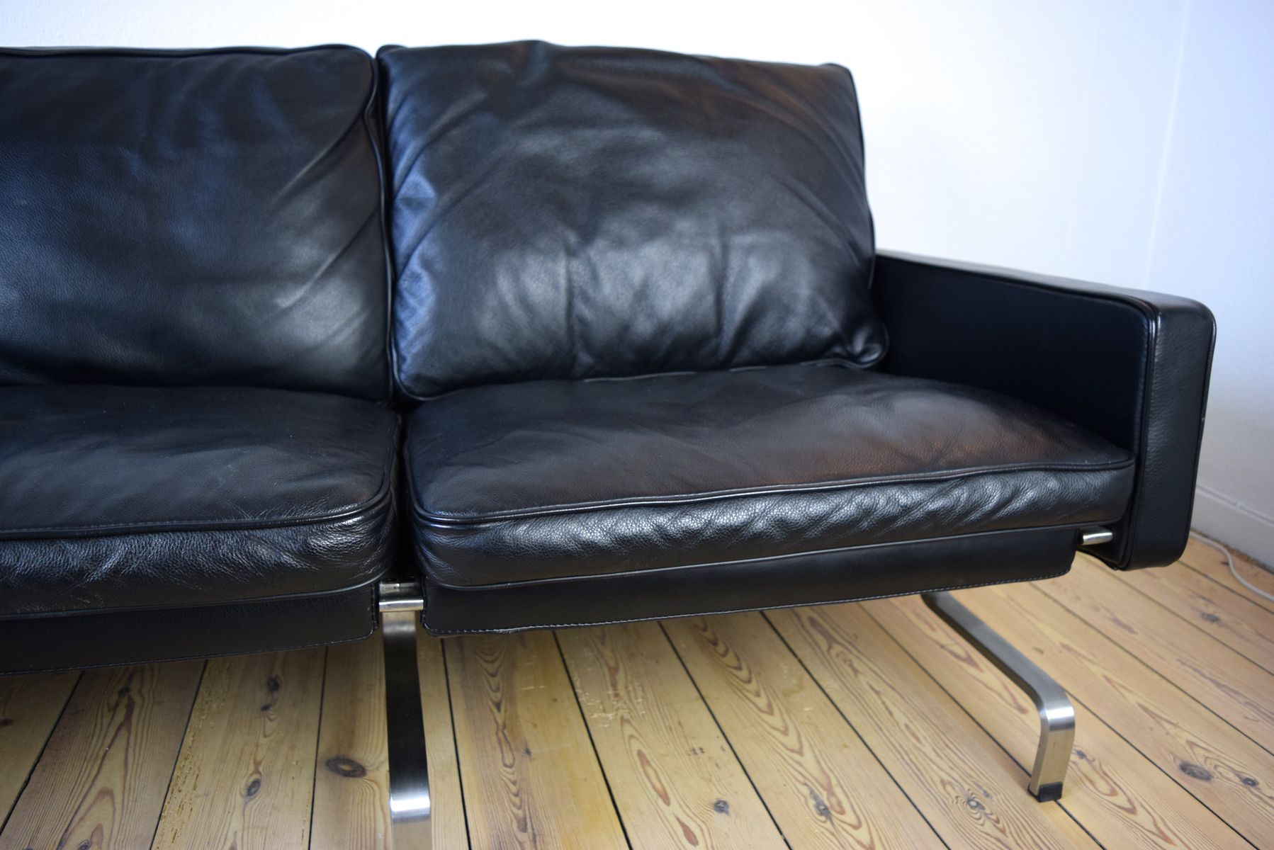 Danish modern leather sofa for sale at pamono for Modern sofas for sale