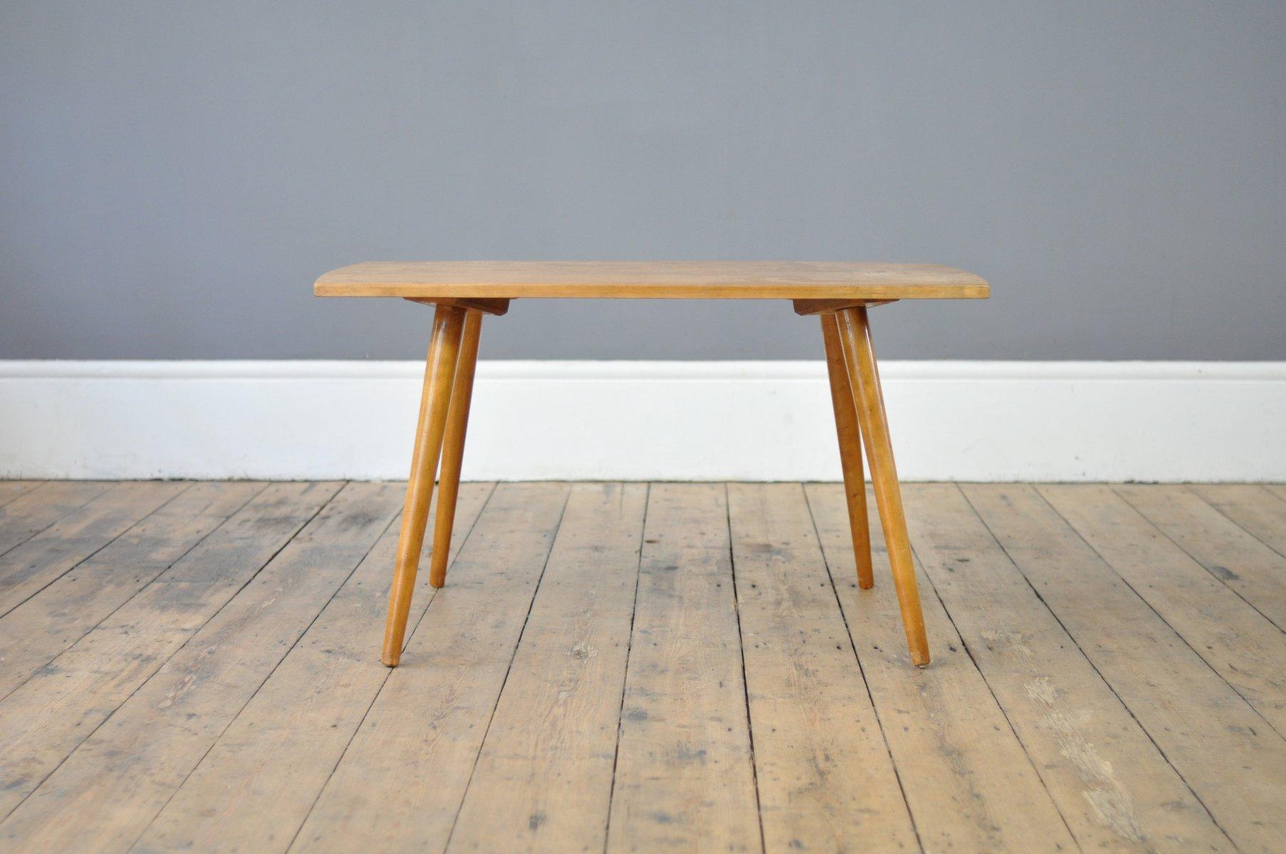 Table basse mid century en h tre avec pieds coniques en for Pied de table en anglais