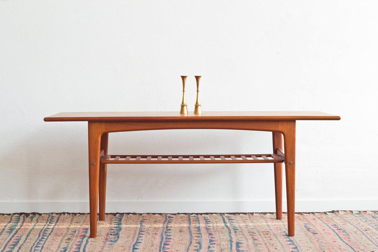 Table basse scandinave en teck avec porte revues 1960s en for Table basse scandinave teck