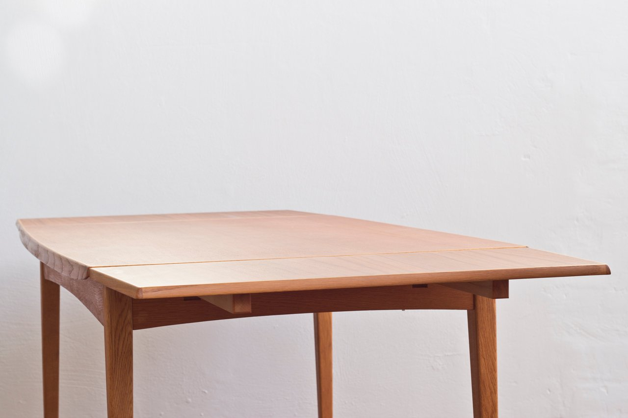 Grande table de salle manger scandinave en teck en vente for Table scandinave en teck
