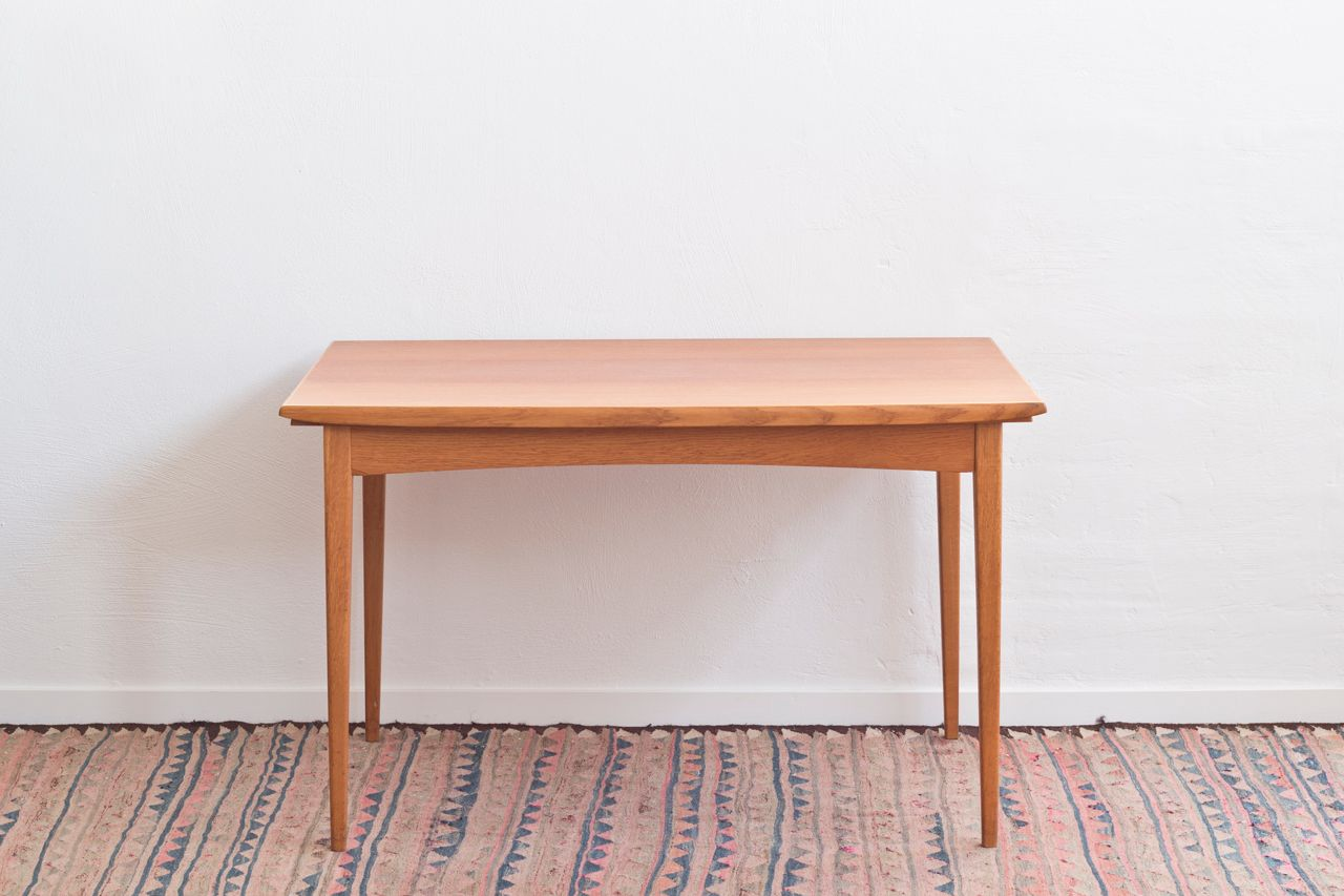 Grande table de salle manger scandinave en teck en vente for Table de salle a manger grande largeur