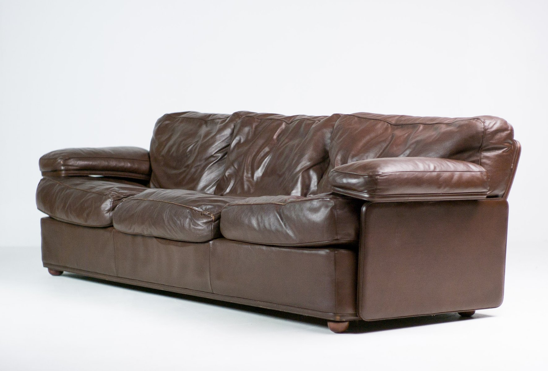 Italian modern sofa by tito agnoli for poltrona frau for for Italian designer sofas
