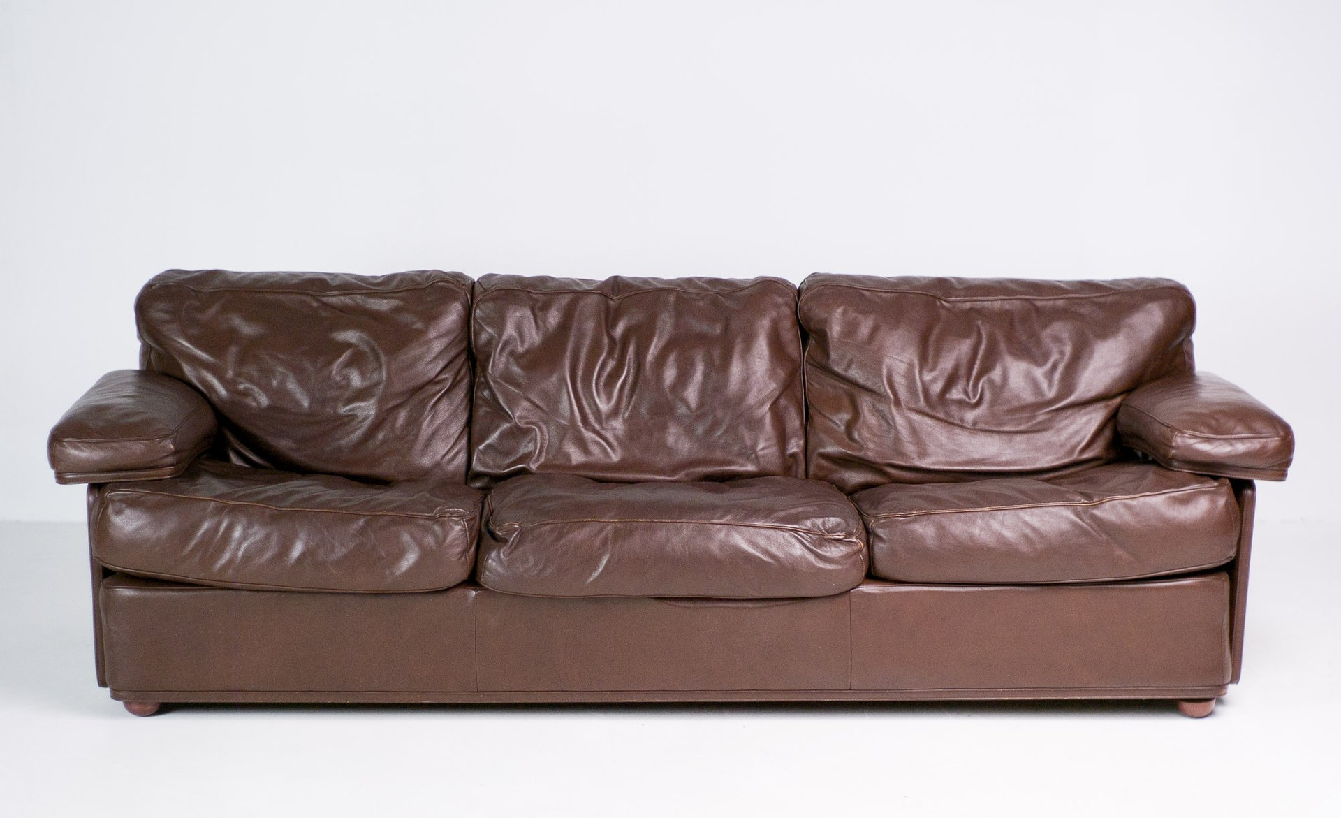 Italian Modern Sofa by Tito Agnoli for Poltrona Frau for sale at
