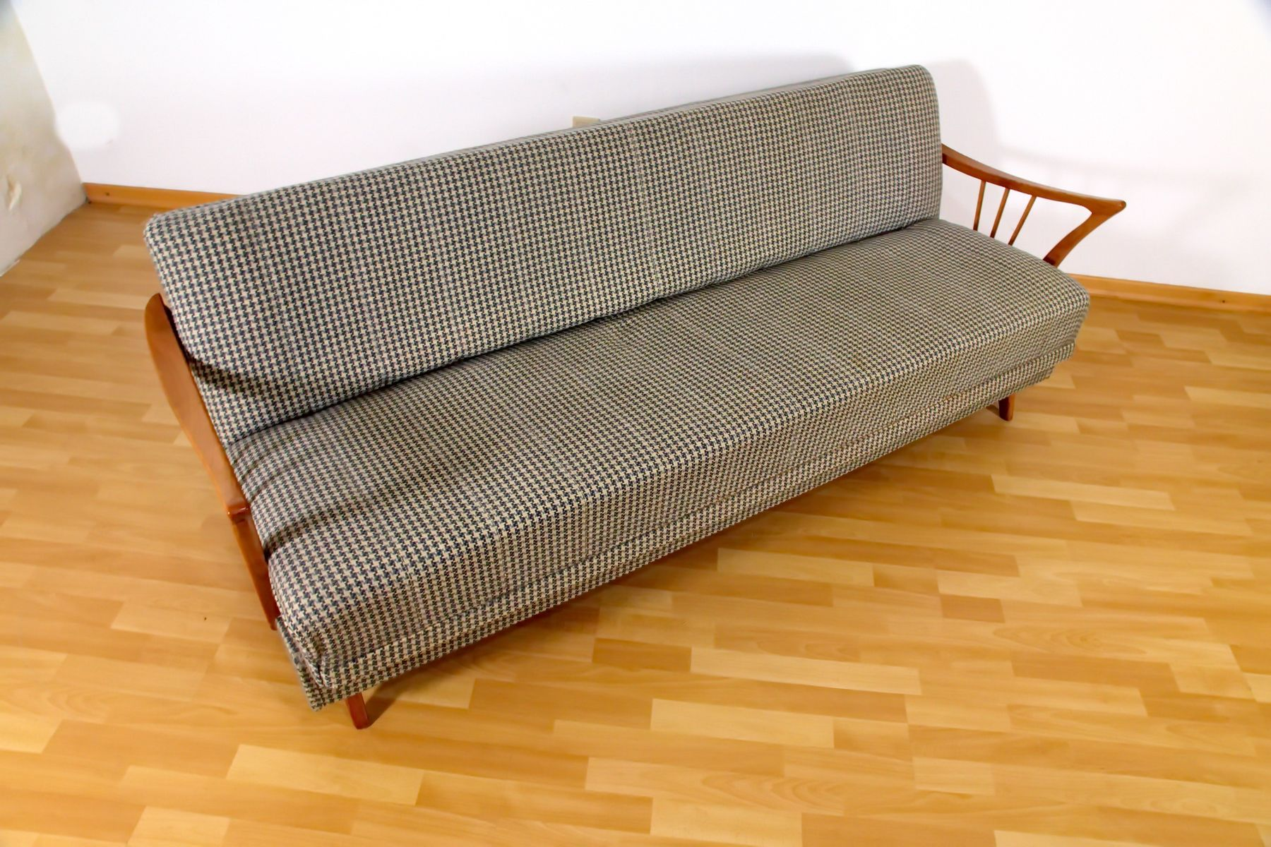 Houndstooth cherry sofa bed by walter knoll for antimott for Sofa bed germany