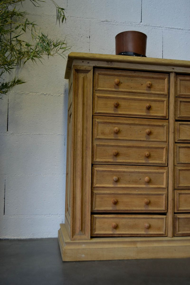 gro e franz sische vintage kommode aus eichenholz bei pamono kaufen. Black Bedroom Furniture Sets. Home Design Ideas