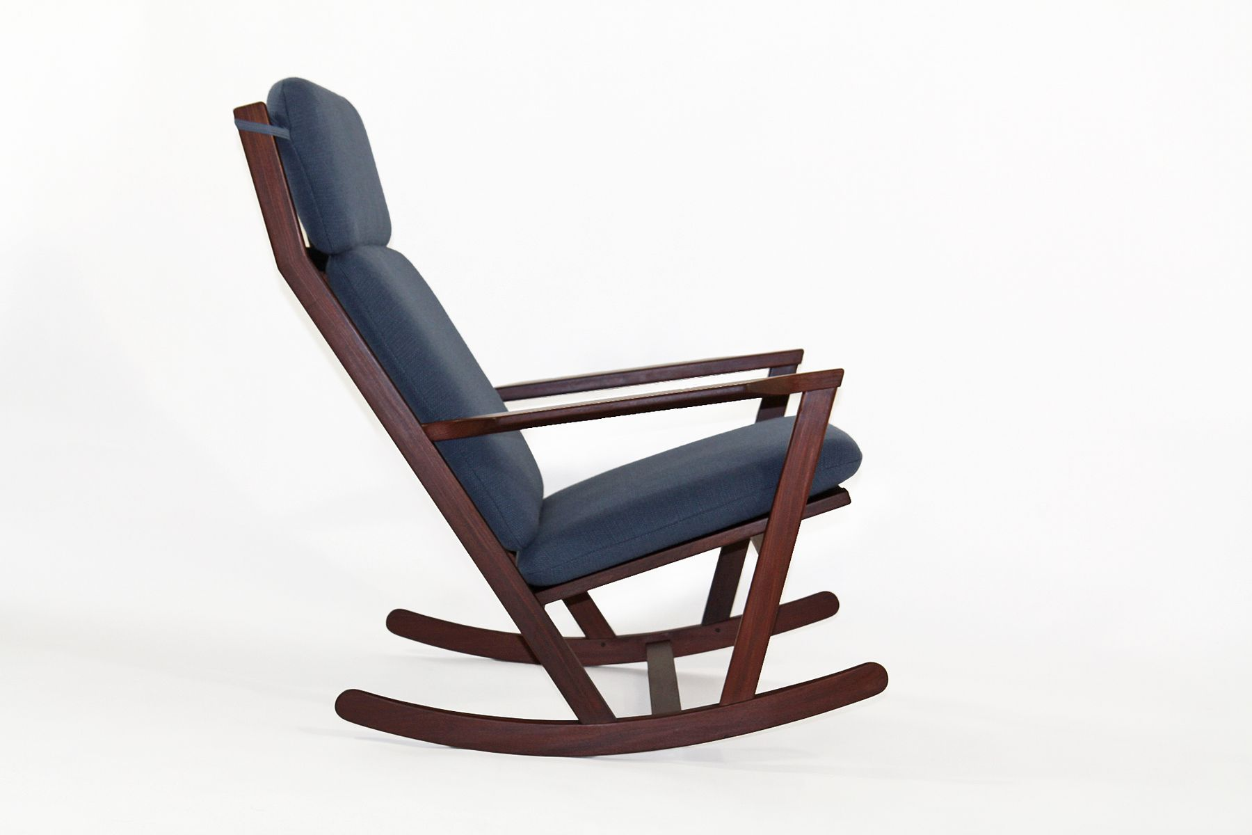 Wonderful image of Rocking Chair by Poul M. Volther for Frem Røjle for sale at Pamono with #5F3D3C color and 1800x1200 pixels