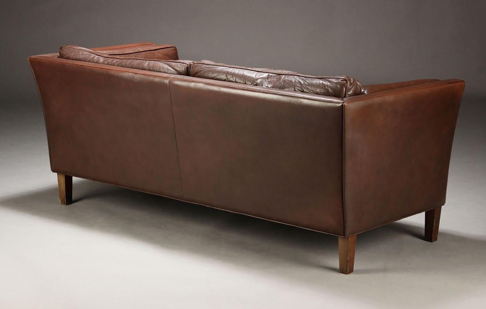 d nische leder sofas 1970er 2er set bei pamono kaufen. Black Bedroom Furniture Sets. Home Design Ideas