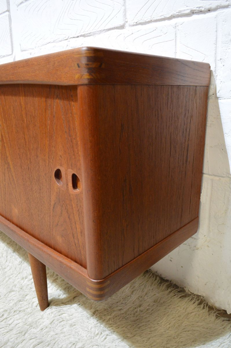 mid century solid teak sideboard by h w klein for bramin for sale at pamono. Black Bedroom Furniture Sets. Home Design Ideas