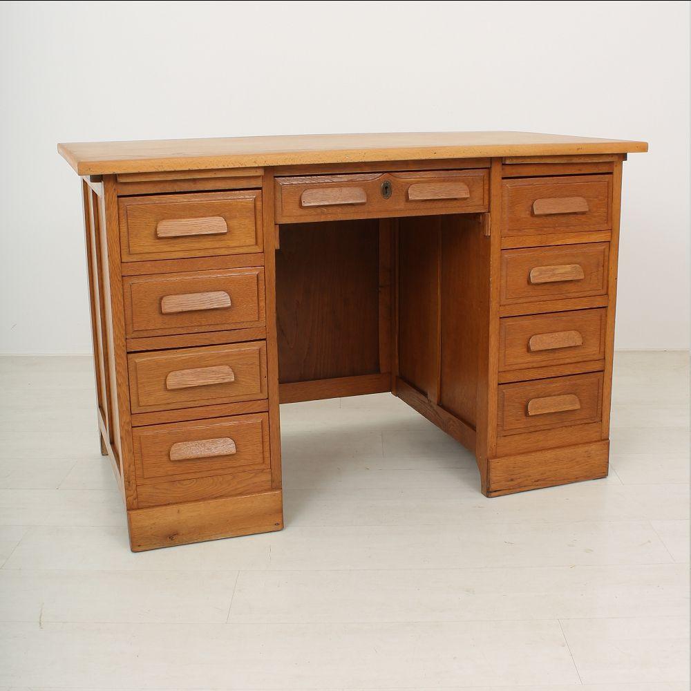 9 drawer oak desk 1920s for sale at pamono. Black Bedroom Furniture Sets. Home Design Ideas