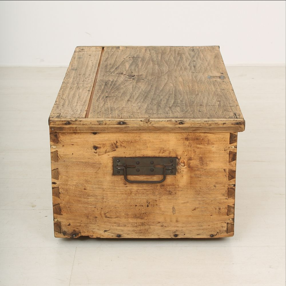 Antique wooden crate 1890s for sale at pamono for Where to find old wooden crates