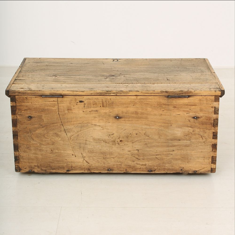 Antique wooden crate 1890s for sale at pamono for Where do i find wooden crates