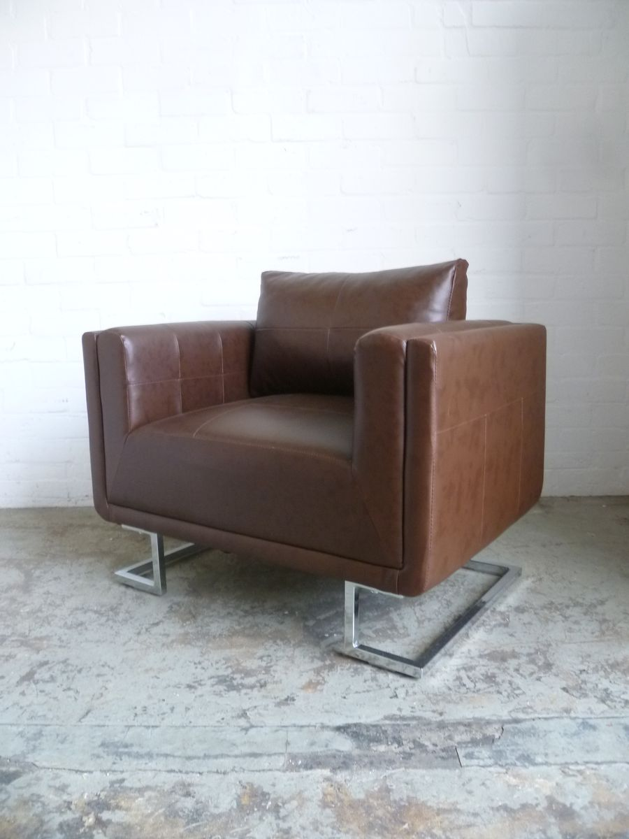 Vintage Leather Club Chair for sale at Pamono