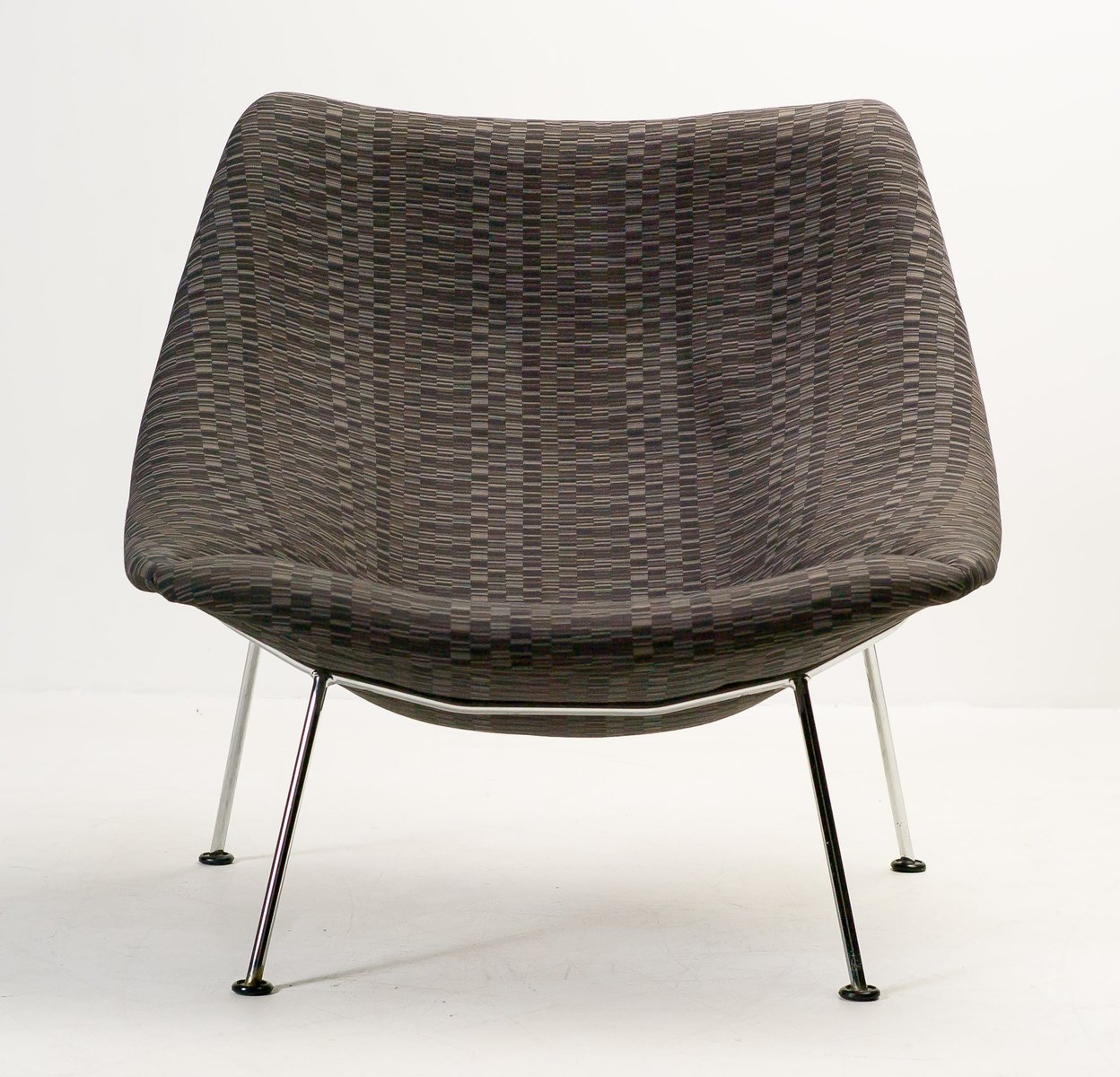 Large F157 Oyster Lounge Chair By Pierre Paulin For