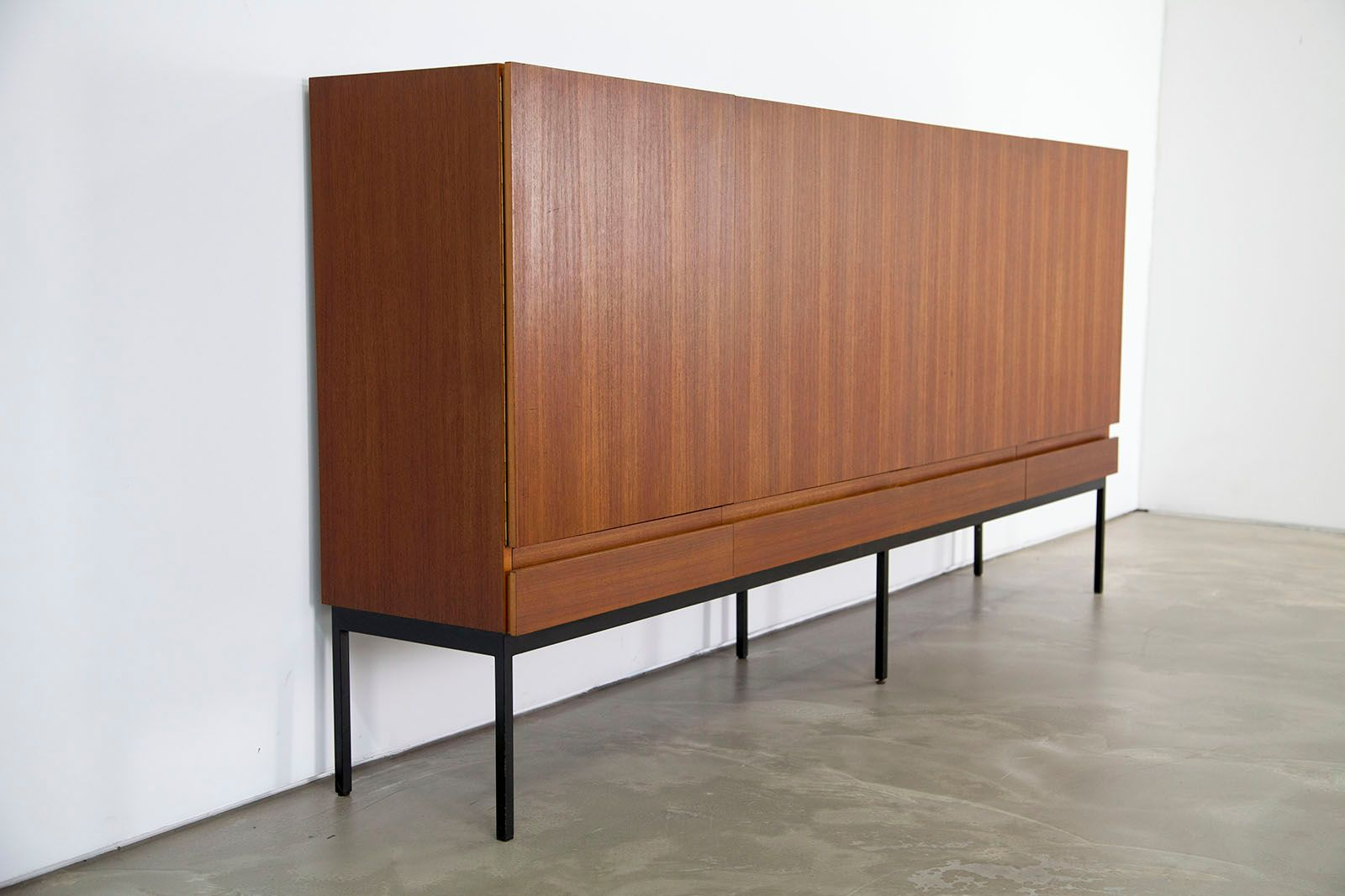 mid century b60 teak highboard von dieter waeckerlin f r. Black Bedroom Furniture Sets. Home Design Ideas