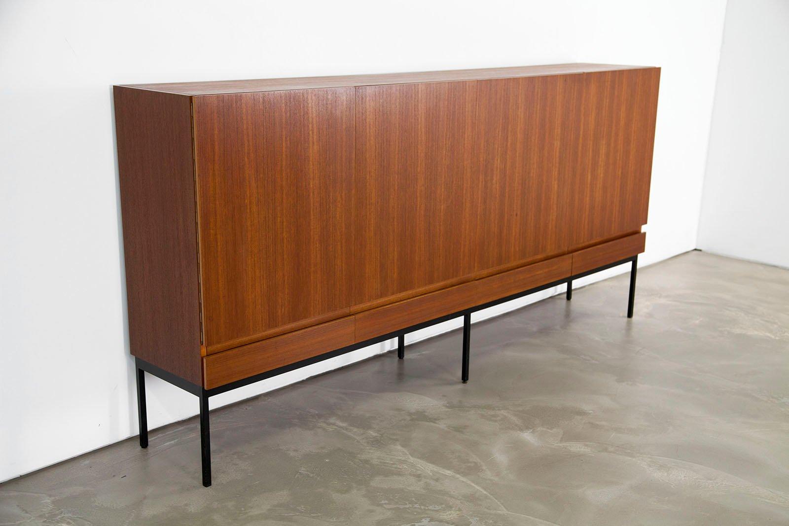 mid century b60 teak highboard von dieter waeckerlin f r behr m bel 1958 bei pamono kaufen. Black Bedroom Furniture Sets. Home Design Ideas