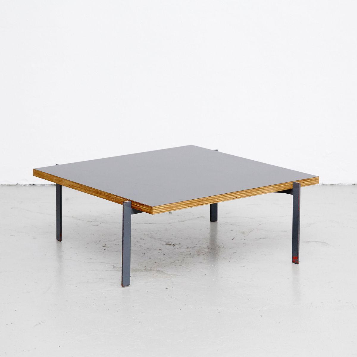 table basse en acier et bois danemark en vente sur pamono. Black Bedroom Furniture Sets. Home Design Ideas