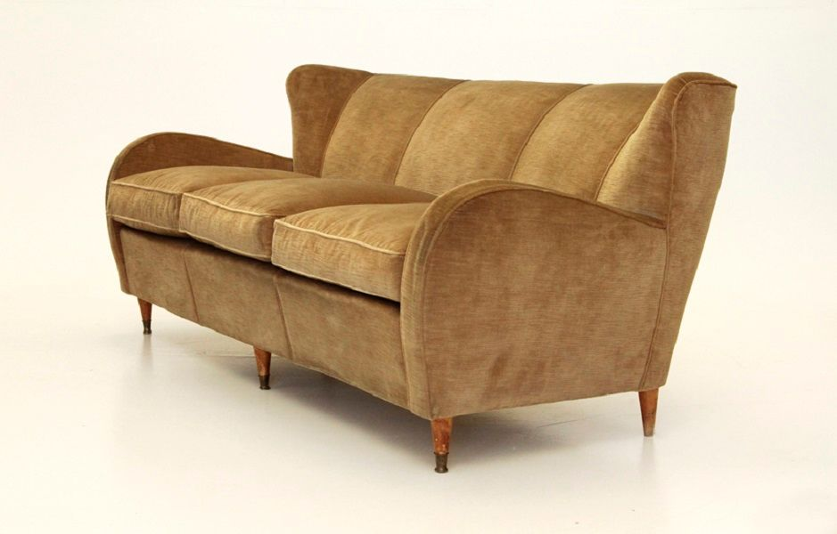 italienisches mid century sofa aus ockerfarbenen samt 1940er bei pamono kaufen. Black Bedroom Furniture Sets. Home Design Ideas