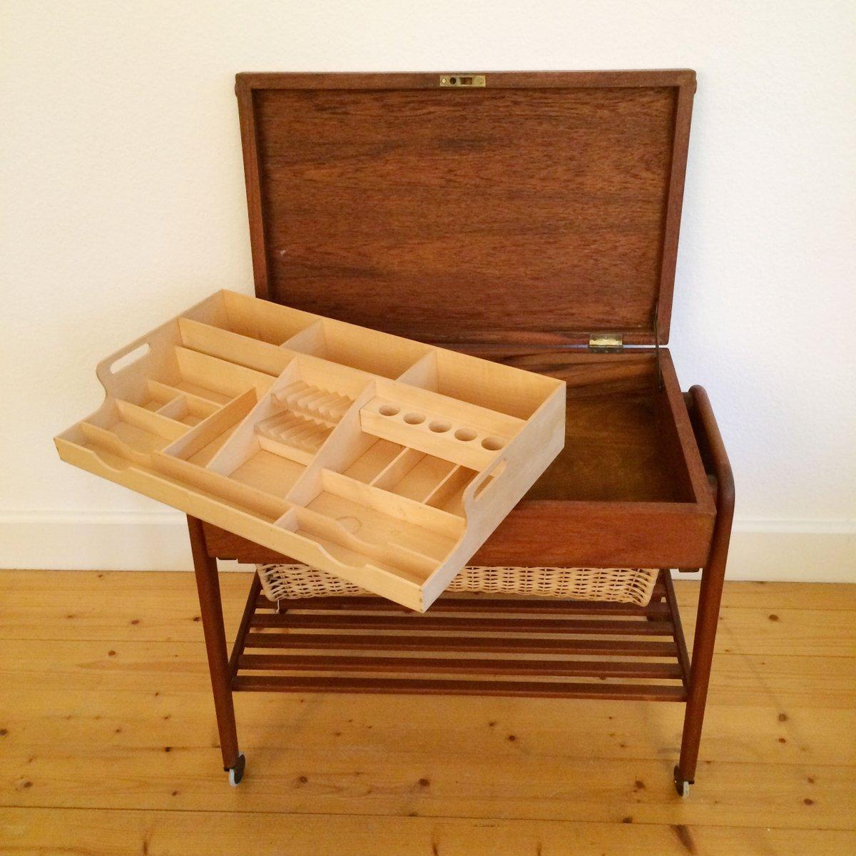 skandinavischer n hkasten aus holz bei pamono kaufen. Black Bedroom Furniture Sets. Home Design Ideas