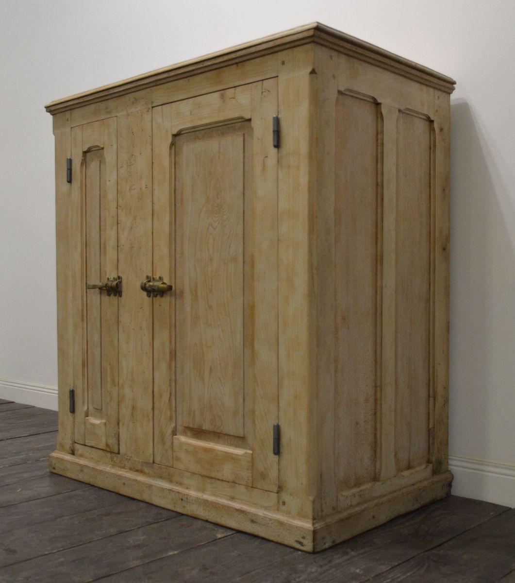 industrieller vintage schrank aus buchenholz bei pamono kaufen. Black Bedroom Furniture Sets. Home Design Ideas