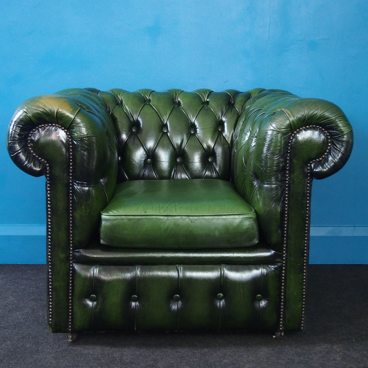 fauteuil club chesterfield vintage en cuir vert 1970s en vente sur pamono. Black Bedroom Furniture Sets. Home Design Ideas