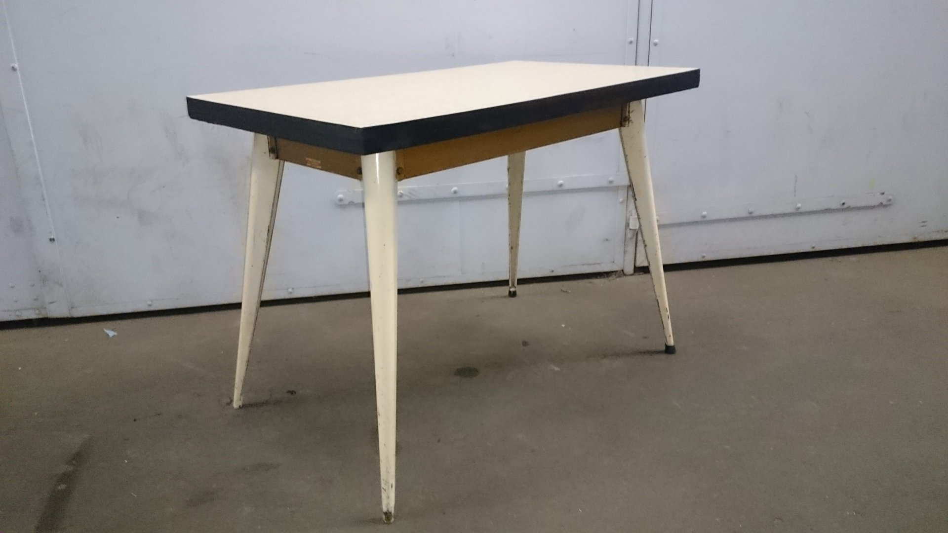 Industrial table by xavier pauchard for tolix 1950 for for Table exterieur tolix
