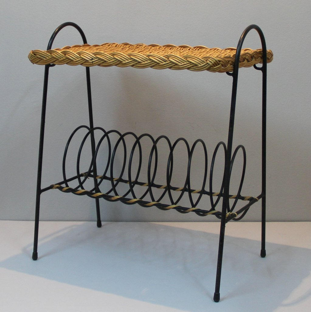 porte revues vintage en rotin france en vente sur pamono. Black Bedroom Furniture Sets. Home Design Ideas