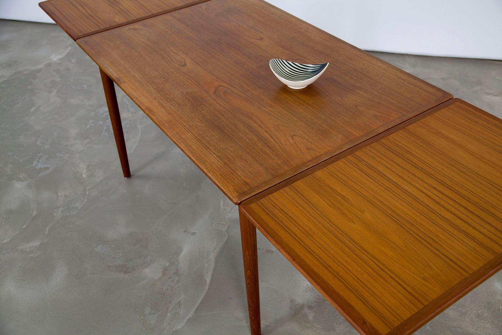 Table de salle manger en teck avec double rallonges for Table de salle a manger 85 cm