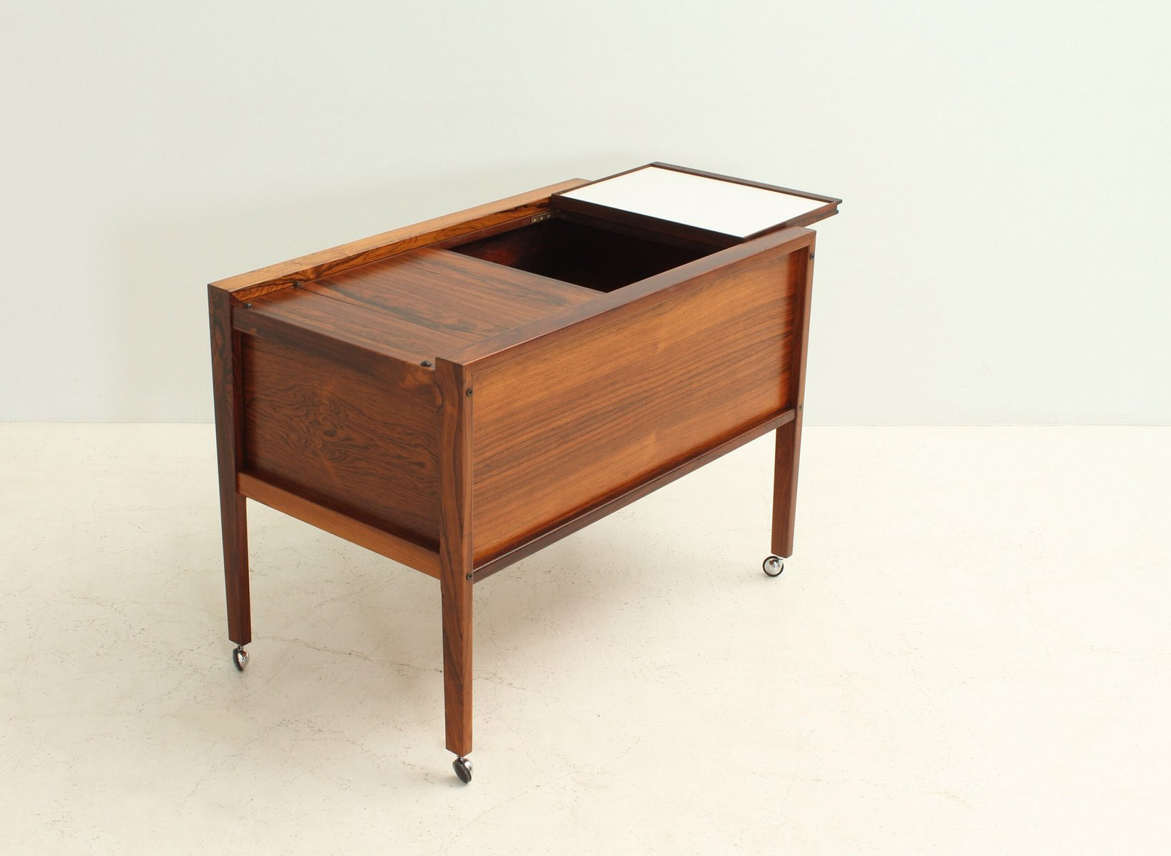 Danish Rosewood Bar Cabinet from Dyrlund, 1960s for sale at Pamono