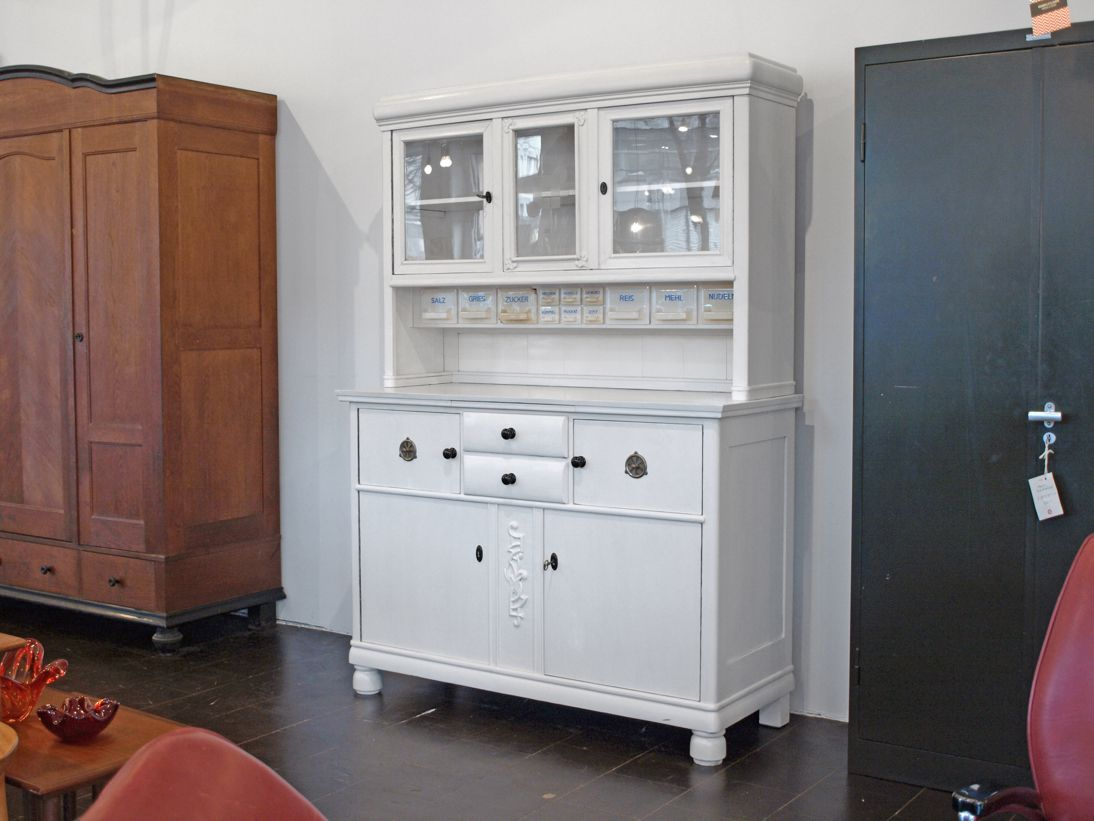 armoire de cuisine vintage blanche 1930s en vente sur pamono. Black Bedroom Furniture Sets. Home Design Ideas