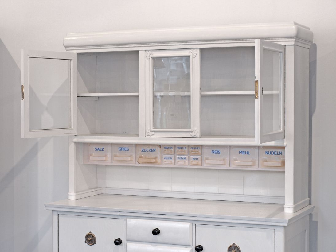Armoire de cuisine vintage blanche 1930s en vente sur pamono for Armoire de cuisine bleu antique