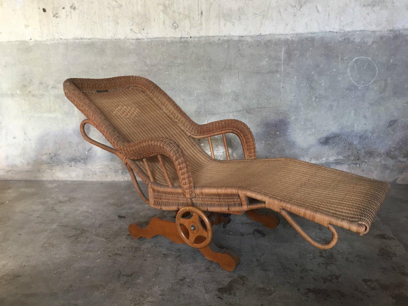 Chaise longue en rotin par pascaud charlotte perriand for Chaise en rotin en solde