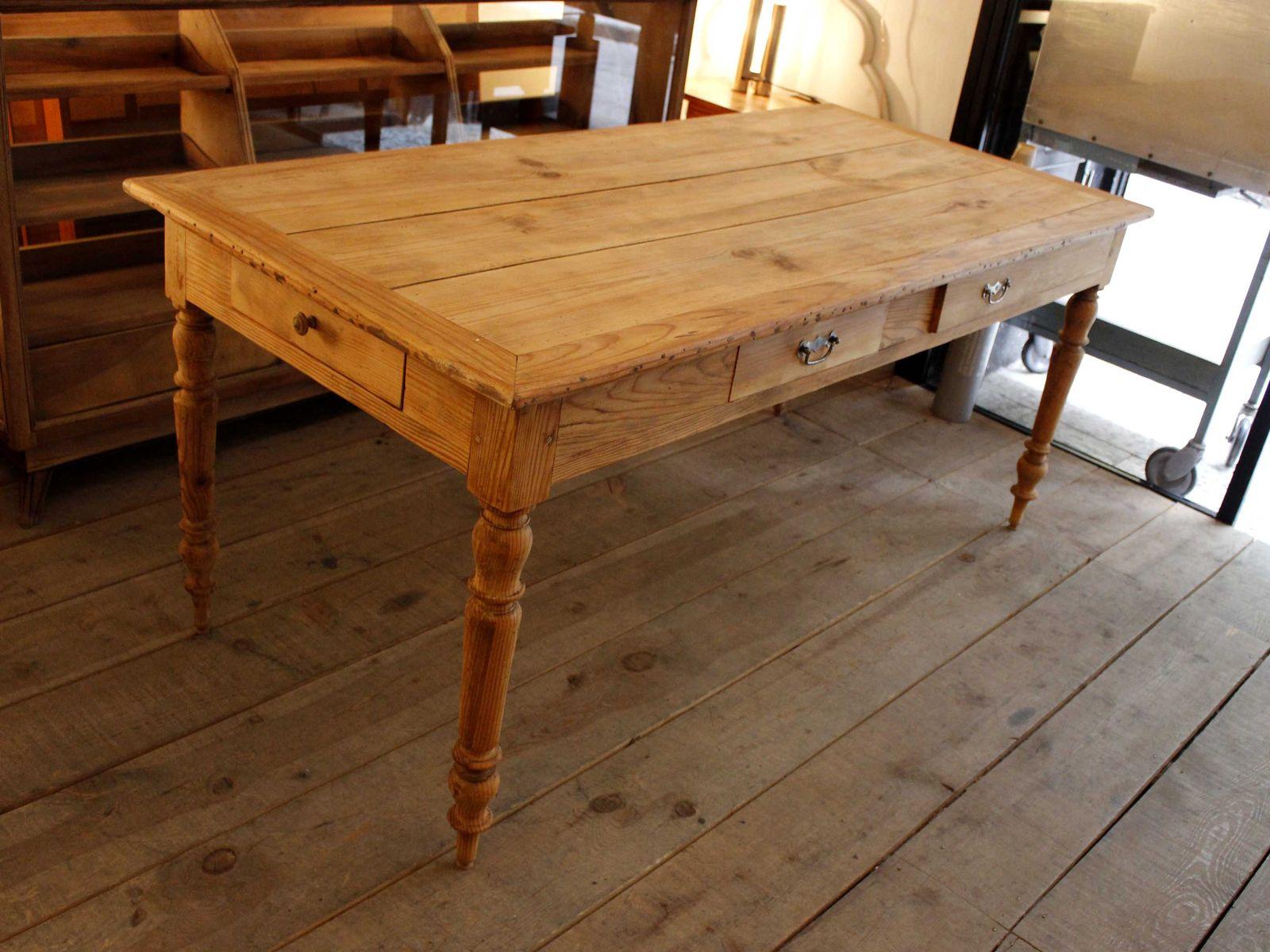 Table de salle manger de maison de campagne vintage en for Table de salle a manger fait maison