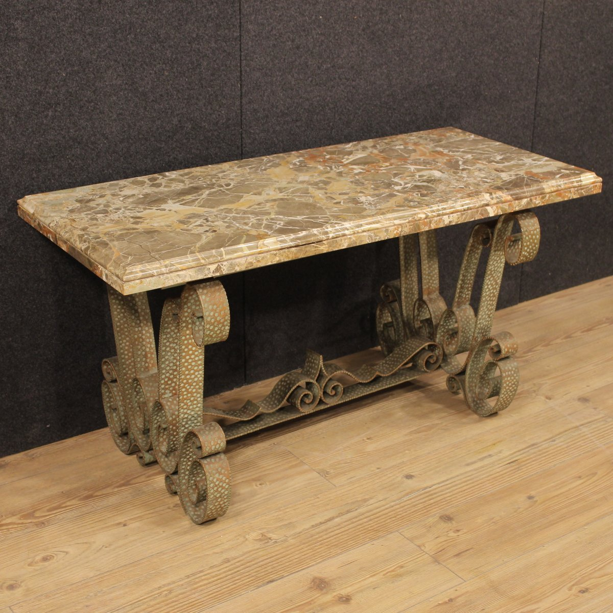 Niedriger vintage marmor tisch aus italien bei pamono kaufen for Tisch aus marmor