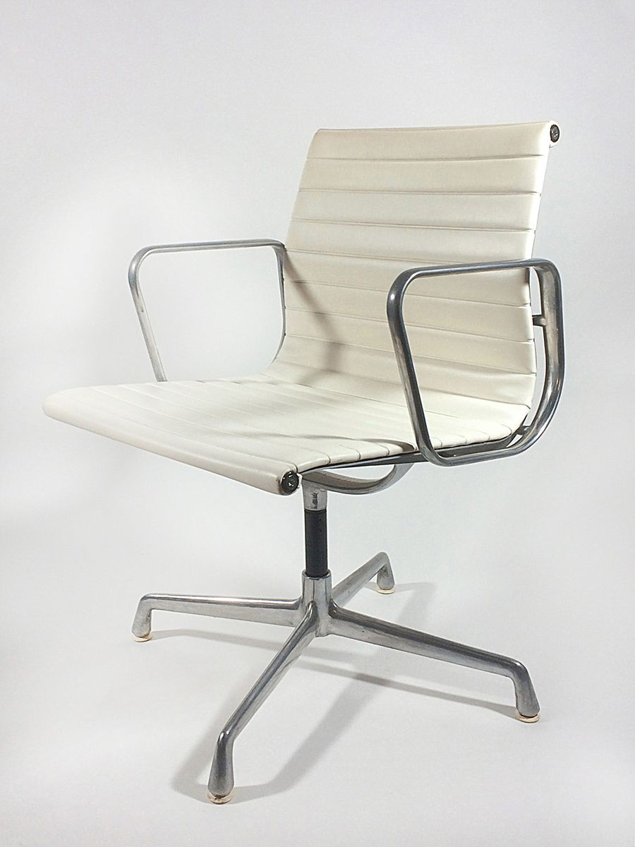 ea 108 aluminium group chair by charles eames for icf for. Black Bedroom Furniture Sets. Home Design Ideas