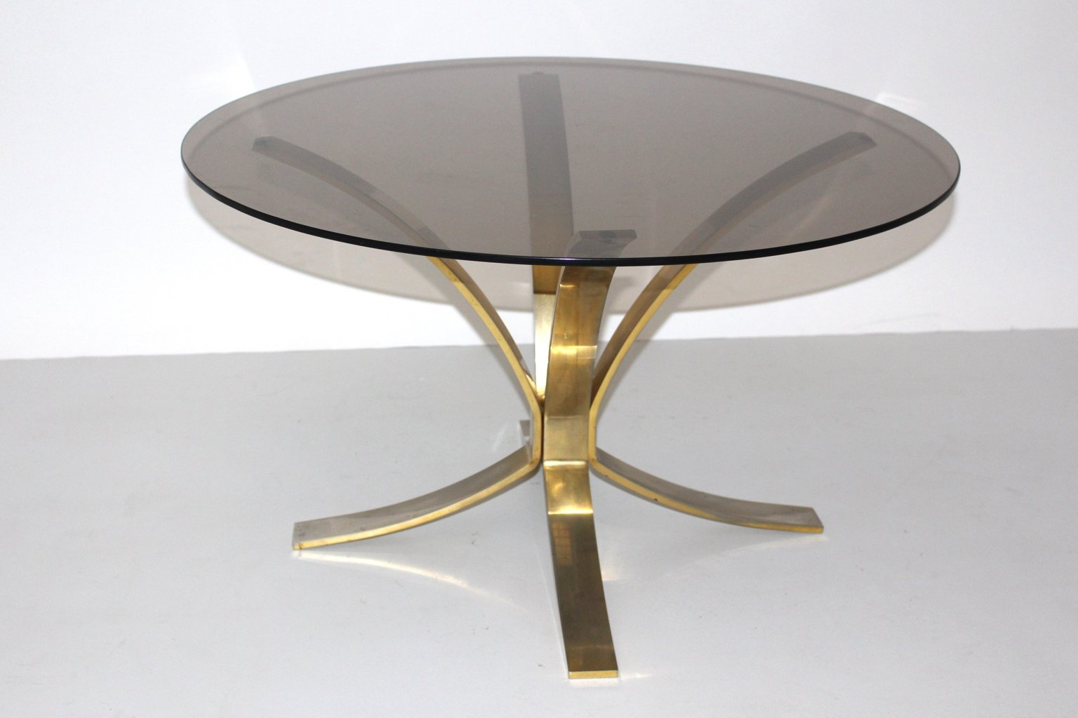 Round Coffee Table By Roger Sprunger For Dunbar Furniture