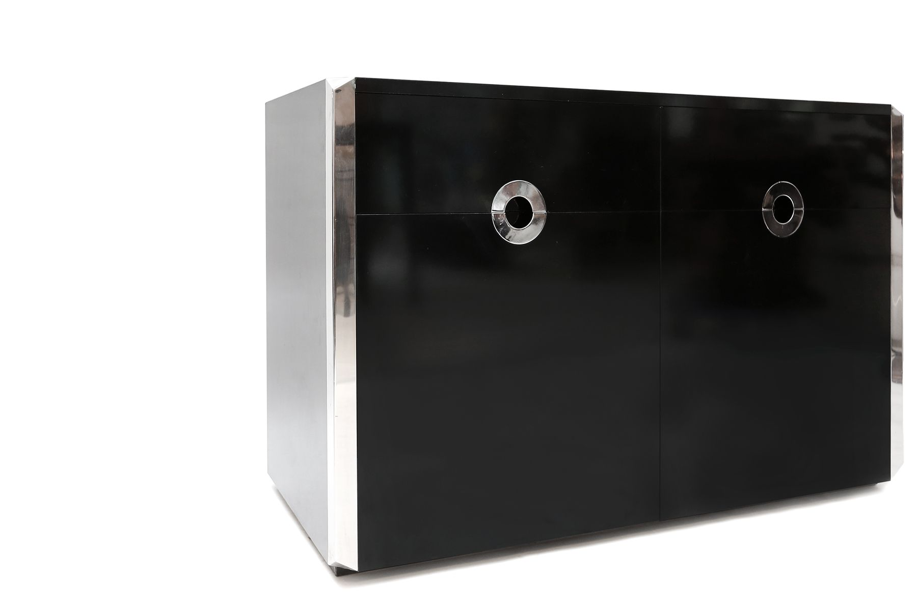 Grande armoire noire par willy rizzo pour mario sabot for Grande armoire noire