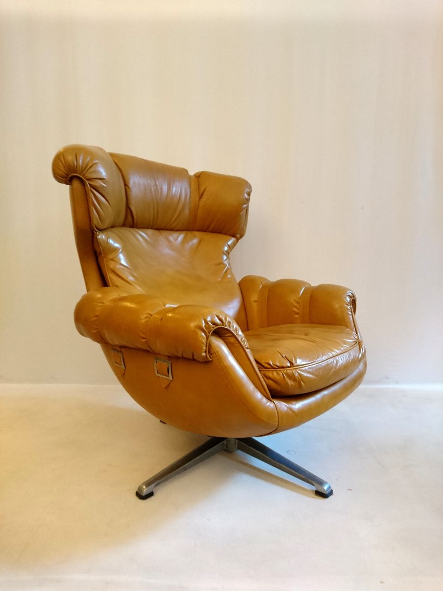 fauteuil pivotant en forme d 39 oeuf 1970s en vente sur pamono. Black Bedroom Furniture Sets. Home Design Ideas