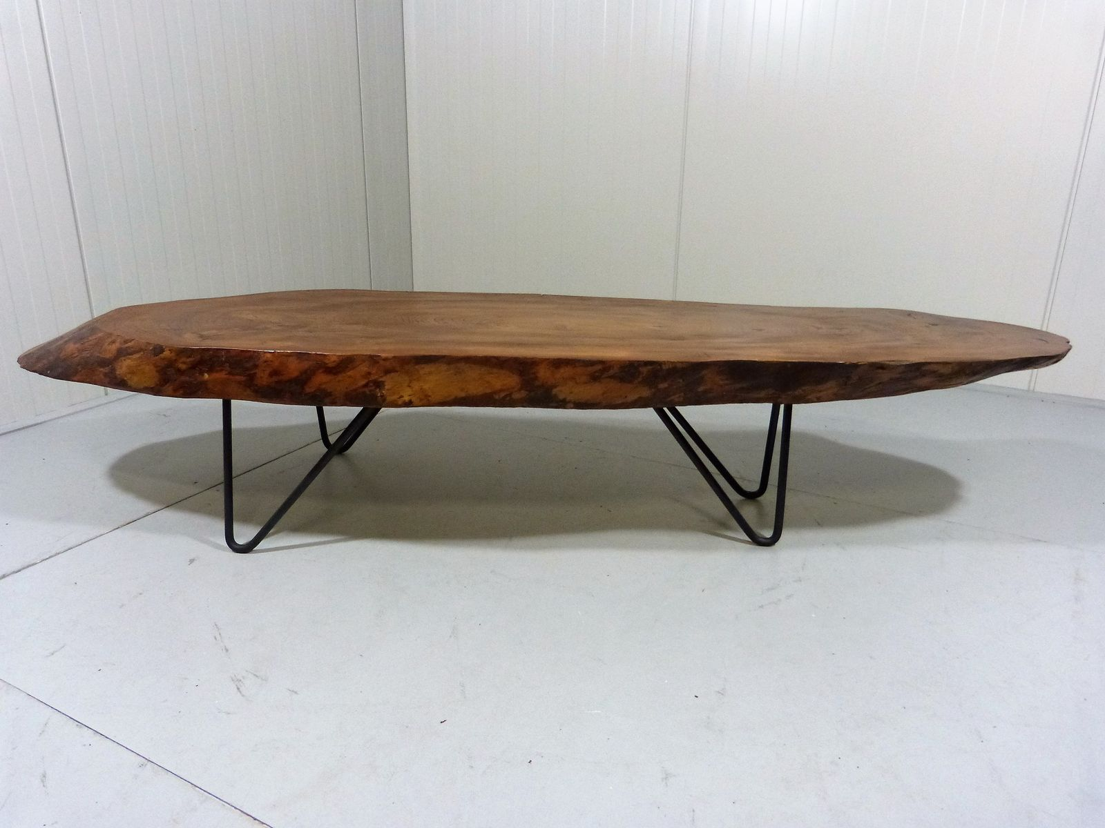 table basse avec tronc darbre. Black Bedroom Furniture Sets. Home Design Ideas