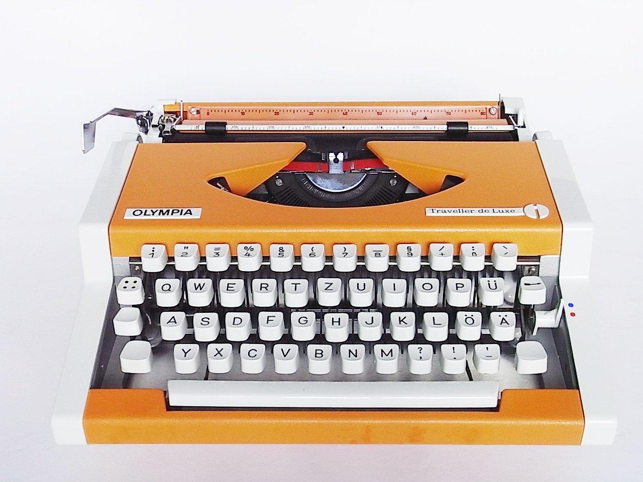 machine ecrire portable traveller de luxe de olympia 1970s en vente sur pamono. Black Bedroom Furniture Sets. Home Design Ideas