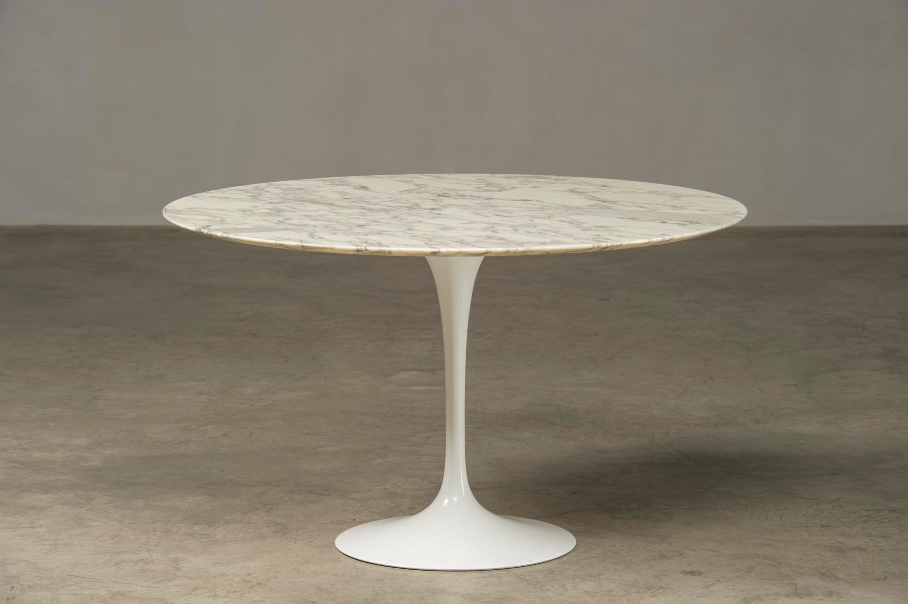 mid century marble tulip dining table by eero saarinen for knoll associates for sale at pamono. Black Bedroom Furniture Sets. Home Design Ideas