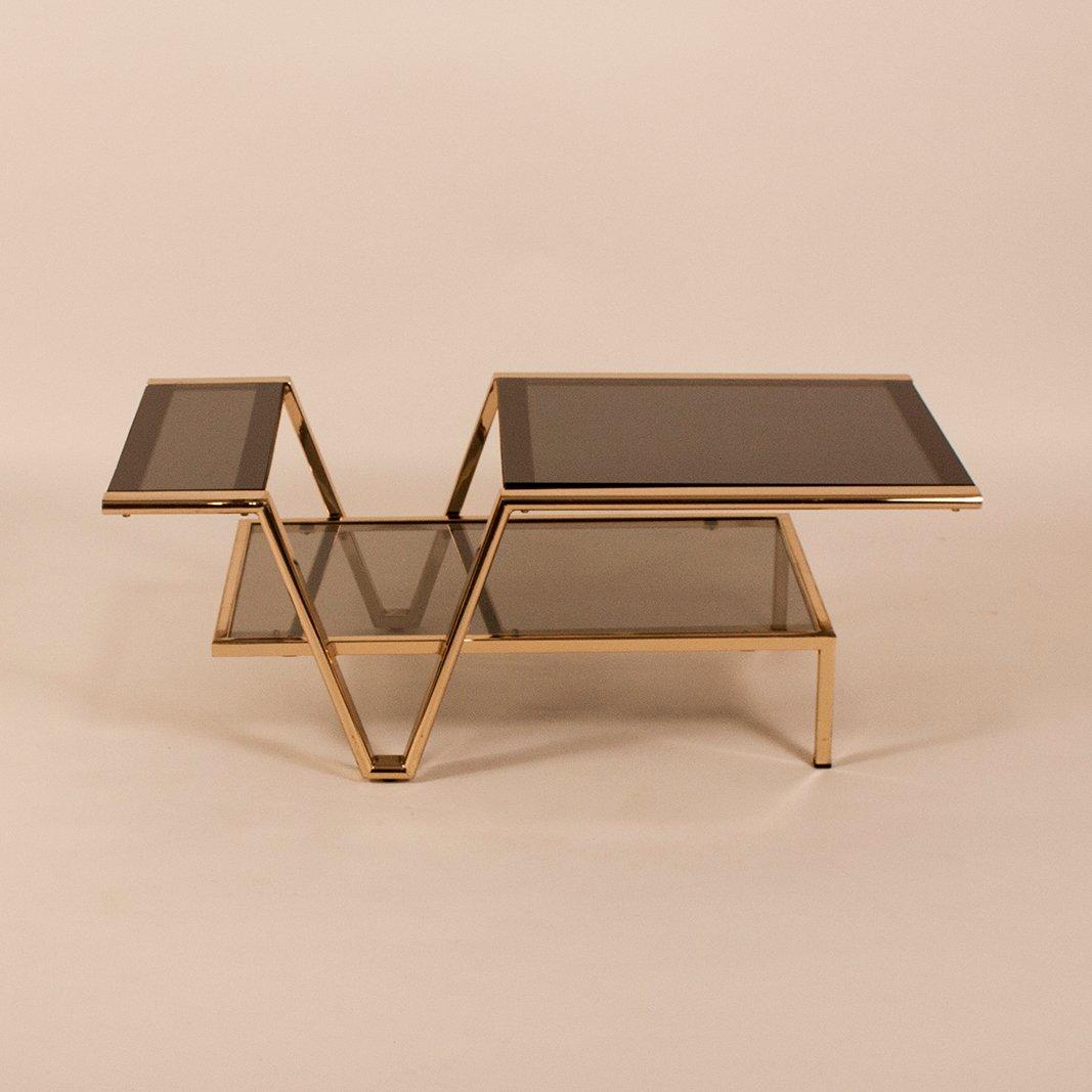 spanischer rauchglas messing couchtisch 1970er bei. Black Bedroom Furniture Sets. Home Design Ideas