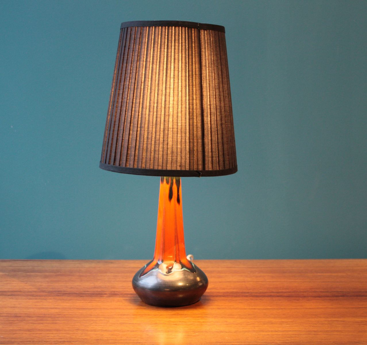 lampe de bureau vintage orange en c ramique danemark en vente sur pamono. Black Bedroom Furniture Sets. Home Design Ideas