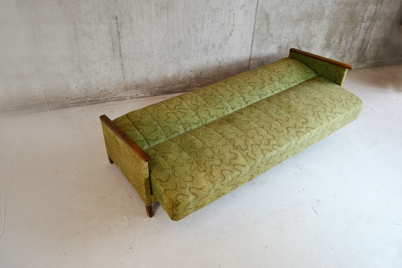 Canap lit avec tissu vert allemagne 1950s en vente sur for Canape lit en anglais