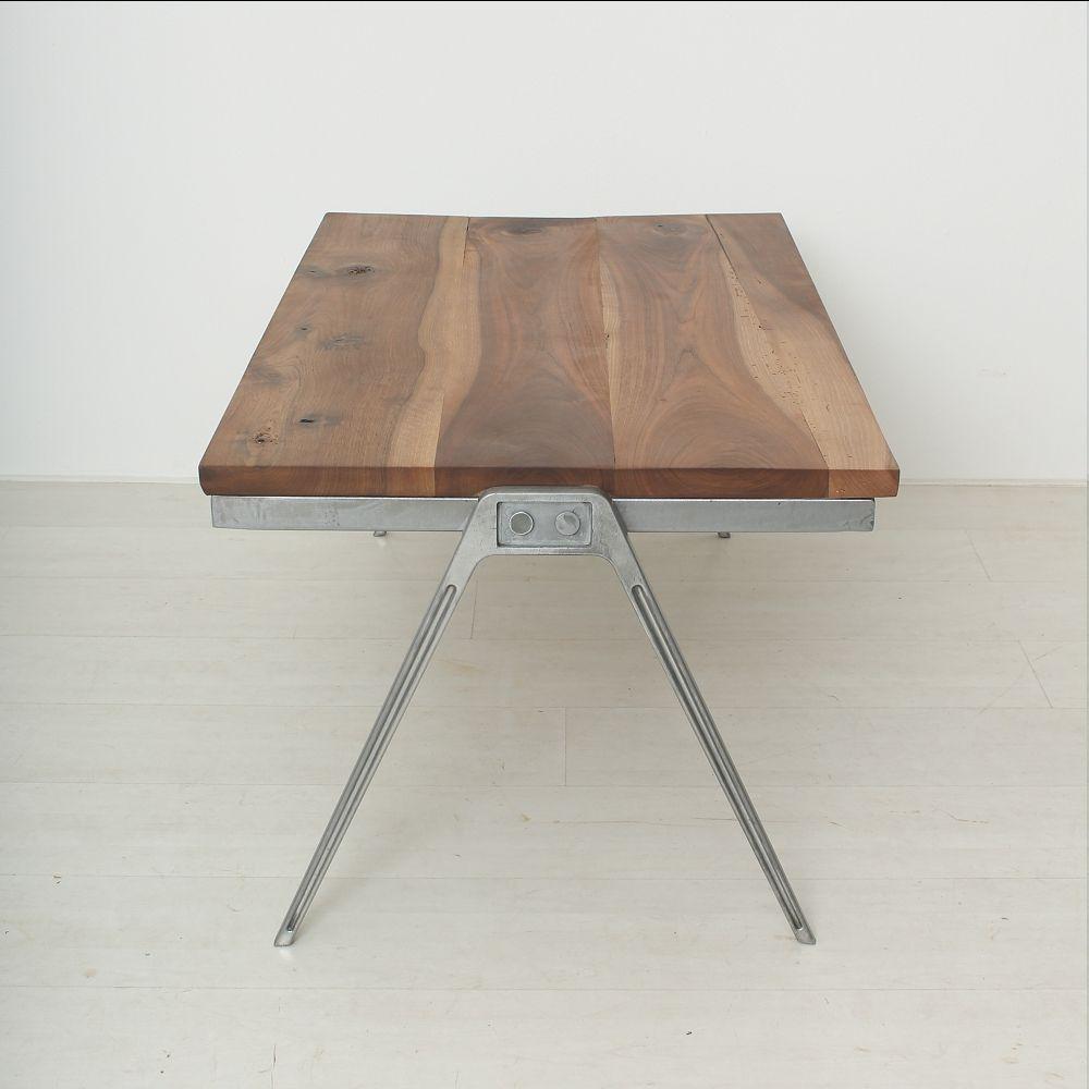 table basse vintage en noyer massif en vente sur pamono. Black Bedroom Furniture Sets. Home Design Ideas