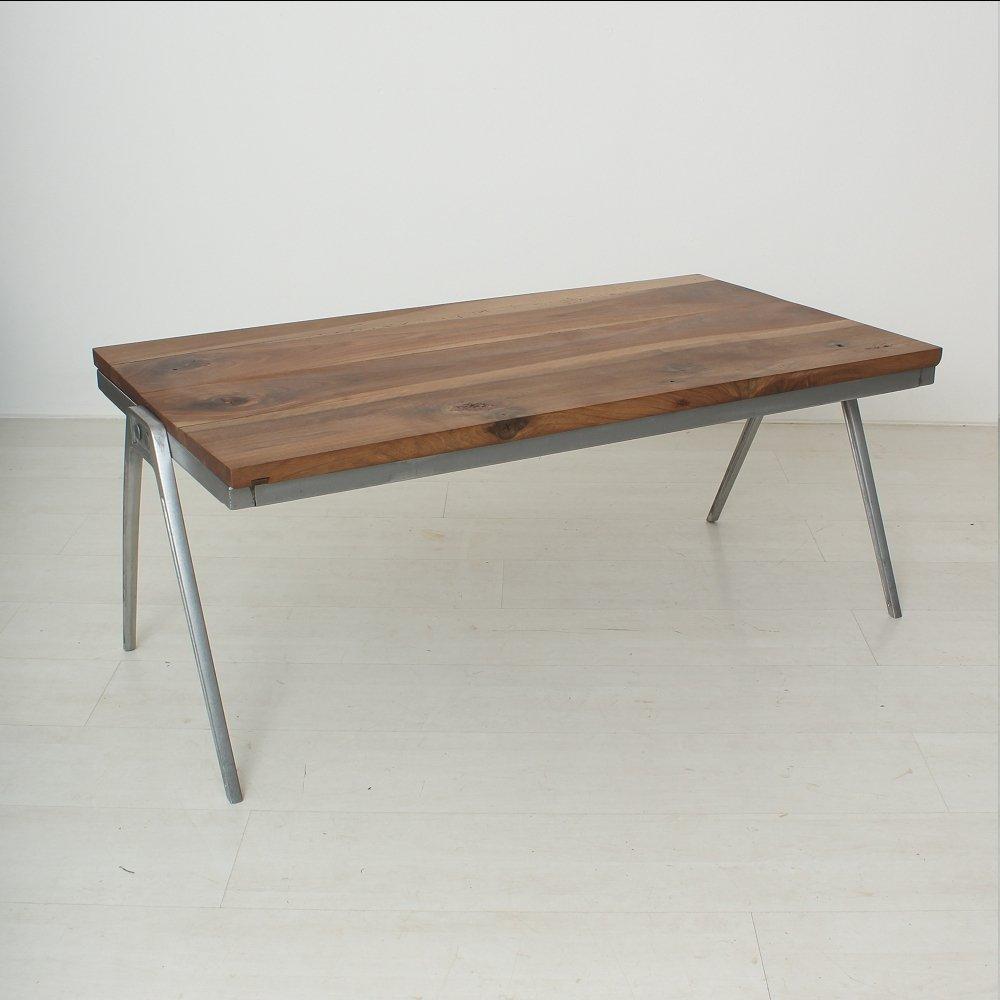 Table basse vintage en noyer massif en vente sur pamono for Table 5 en 1