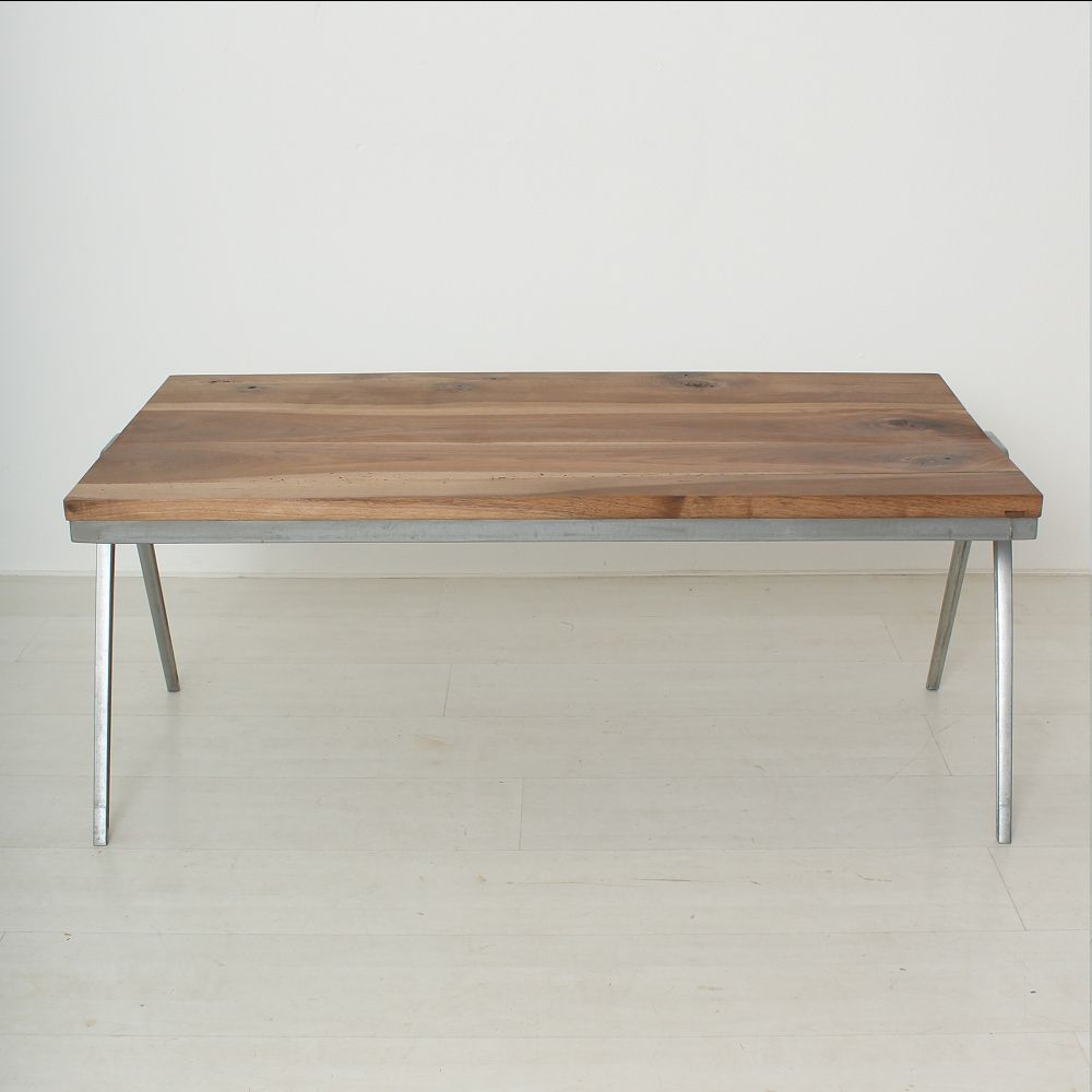Vintage solid walnut coffee table for sale at pamono for Solid coffee table